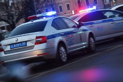 У купавшихся в проруби россиян угнали машину с ребенком