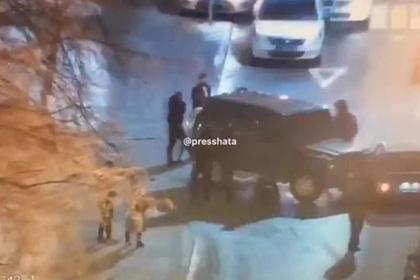 Появилось видео протаранившего машину похитителей Gelandewagen