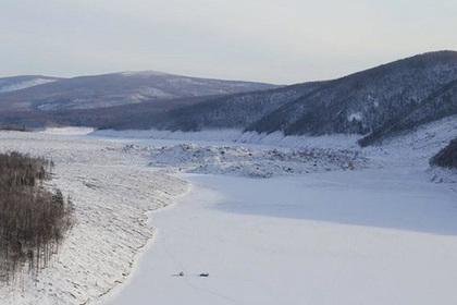 Жителям российского села пригрозили наводнением после «падения метеорита»