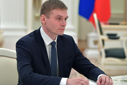 Главу Хакасии попросили объясниться за премии чиновникам