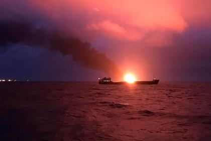 Загоревшиеся в Керченском проливе суда уличили в поставках газа в Сирию