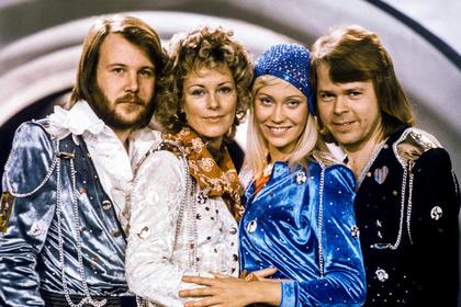 Записавшая спустя 35 лет новые песни ABBA заставит фанатов подождать еще немного