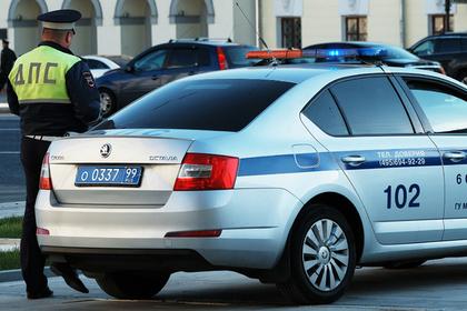 Угрожавший взорвать банк в Москве попал на видео