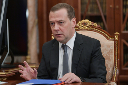 Медведев призвал «Роскосмос» меньше говорить и больше делать