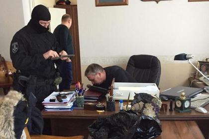 Российских полицейских задержали за уничтожение вещдоков