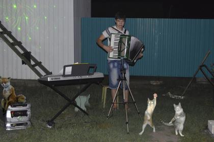Прославившийся на весь мир деревенский патимейкер из России вышел из тени photo