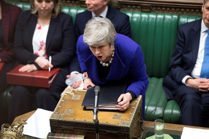 Мэй задумала изменить условия Brexit