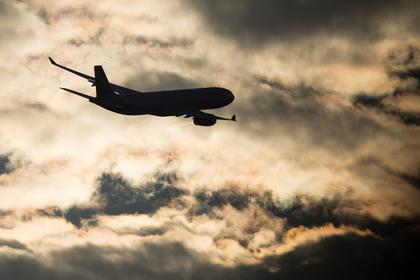 Самолет не мог приземлиться в Красноярске из-за морозов и будет ждать тепла