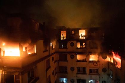 Пожар в жилом доме в Париже убил восемь человек