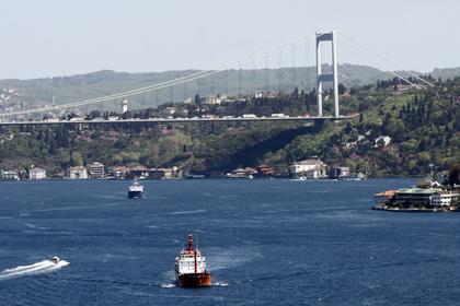 Европе пригрозили дефицитом нефти из-за стоящих в пробке российских танкеров