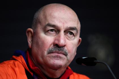 Сборная России снова опустилась в рейтинге ФИФА