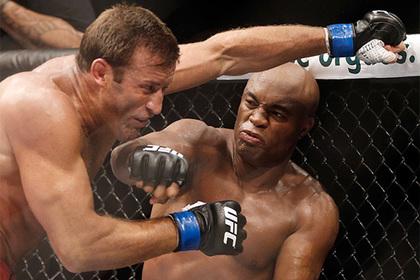 Неуязвимый ветеран снова готов драться. Грядущий турнир UFC будет жарким