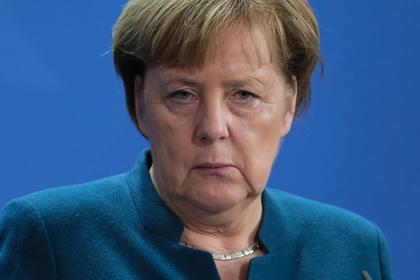 Меркель опровергла разлад с Макроном