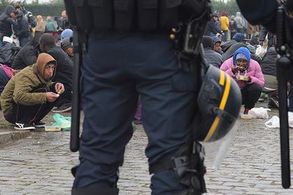 Мигранты и протесты рассорили две страны Европы. Такого не было со времен фашистов