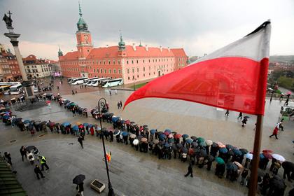 Украинцы заполнили пенсионный фонд Польши