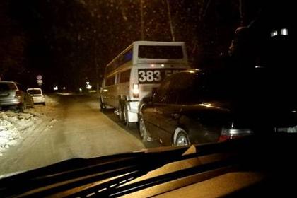 Сын российского мэра избил мешавшего кататься на лимузине полицейского