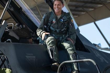 Первую женщину-командира группы истребителей уличили в неумении командовать