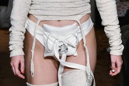 Странная деталь на нижнем белье модели смутила публику