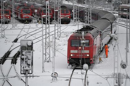 Поезд промчался весь путь без остановок и напугал пассажиров