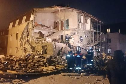 Число погибших при взрыве в жилом доме в Красноярске выросло