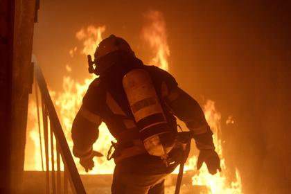 Мужчина разозлился на ворчание матери и сжег общую квартиру