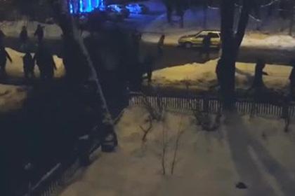 Очевидцы сняли начало массовой драки в Москве