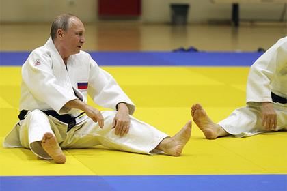 Путин пошутил про свою травму