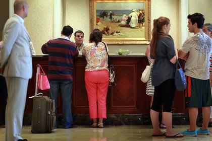 Названы лучшие дни недели для бронирования отелей и авиабилетов