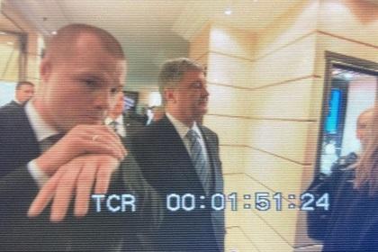 Охранник Порошенко вцепился в корреспондента «России 1»