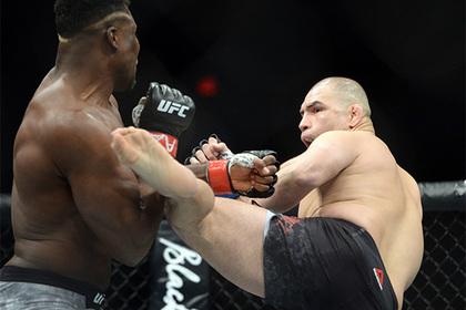 Африканский Хищник нокаутировал легенду UFC за 26 секунд