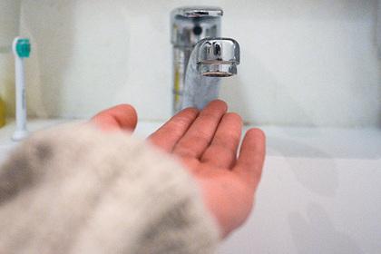 Россиянам пообещали новые сроки отключения горячей воды