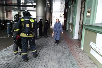 Три тысячи москвичей эвакуировали из-за атаки телефонных террористов