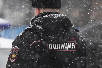 Московский школьник на спор ударил полицейского