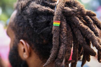 Нью-Йоркцы собрались приравнять насмешки над прической к расизму