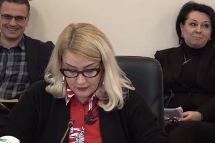 Украинский чиновник включил порно на совещании и был осмеян