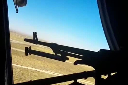 Опубликовано видео «охоты» российских вертолетов в Сирии