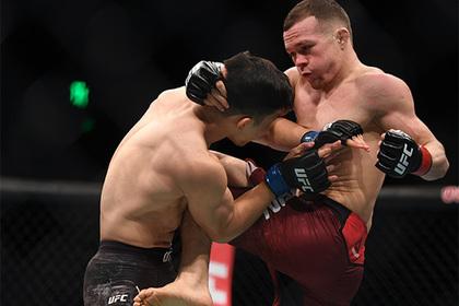 На турнире UFC в Праге выступят четверо россиян
