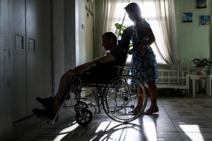 Путин подсчитал нуждающихся в уходе смертельно больных россиян