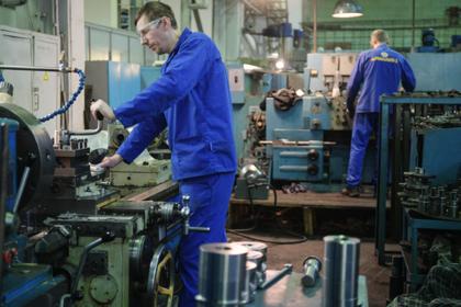 Российским школьникам предложат практику на заводах