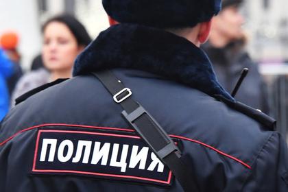 Российскую школьницу изнасиловали пятеро мужчин