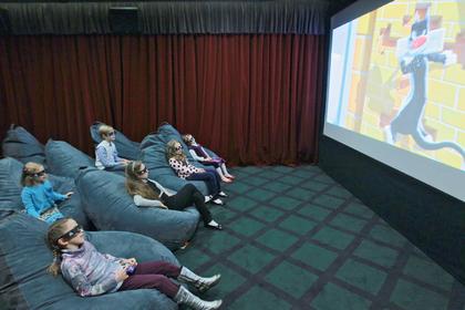 Путин поручил помочь детскому кинематографу