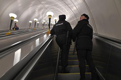 Безбилетник ранил двоих контролеров в столичном метро