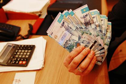 Казахстан избавится от русского языка на своих деньгах