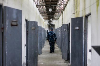 Двух генералов МВД посадили за взятки