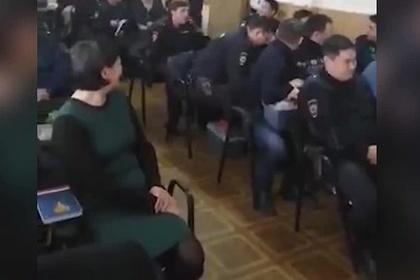 Россиянку уволили из полиции после видео с эротическим танцем на корпоративе
