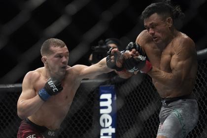 Российский боец UFC Ян одержал очередную победу