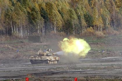 Российский Т-90С стал мишенью в Китае