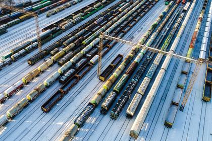 РЖД скупит годовой запас вагонов почти за 100 миллиардов рублей