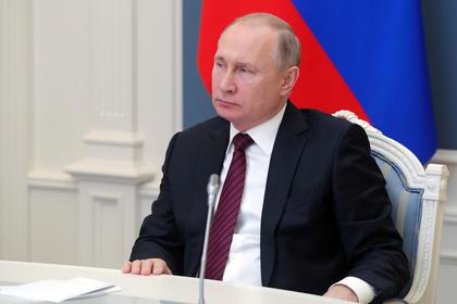 Путин отреагировал на отставку Назарбаева