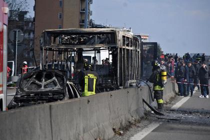 Водителя школьного автобуса заподозрили в попытке сжечь полсотни человек живьем